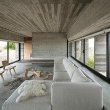 Фото из портфолио Дом возле поля для гольфа в Аргентине – фотографии дизайна интерьеров на INMYROOM