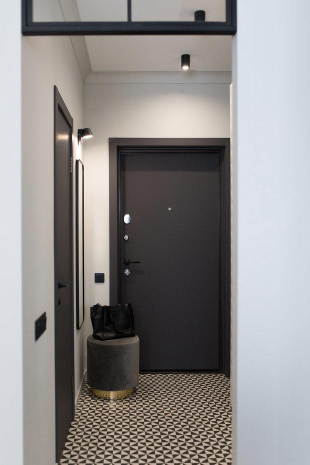 Фотография: Прихожая в стиле Современный, Студия, Советы, напольное покрытие, дизайн квартиры студии, дизайн интерьера студии – фото на INMYROOM