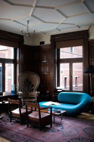 Фотография: Мебель и свет в стиле Эклектика, Декор интерьера, Цвет в интерьере, Ковер – фото на InMyRoom.ru