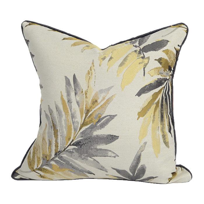 Декоративная подушка Poema с растительным принтом