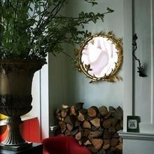 Фотография: Гостиная в стиле Кантри, Дом, Индустрия, Люди, Зеркала, Лампы, Подсвечники – фото на InMyRoom.ru