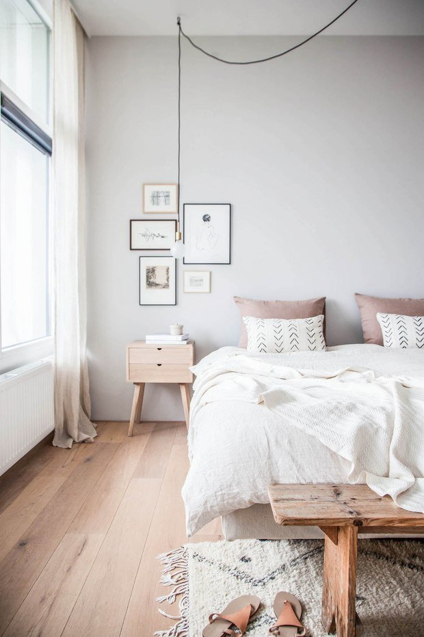 Фотография: Спальня в стиле Эко, Декор интерьера, Советы, дизайн-хаки для маленькой спальни, идеи для малогабаритки, Маленькая спальня – фото на INMYROOM