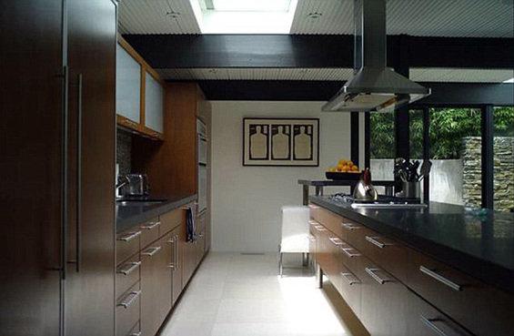 Фотография: Кухня и столовая в стиле Минимализм, Дома и квартиры, Интерьеры звезд – фото на InMyRoom.ru