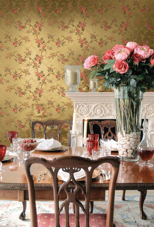 Фотография: Кухня и столовая в стиле Прованс и Кантри, Гостиная, Интерьер комнат, Картины, Зеркало – фото на InMyRoom.ru