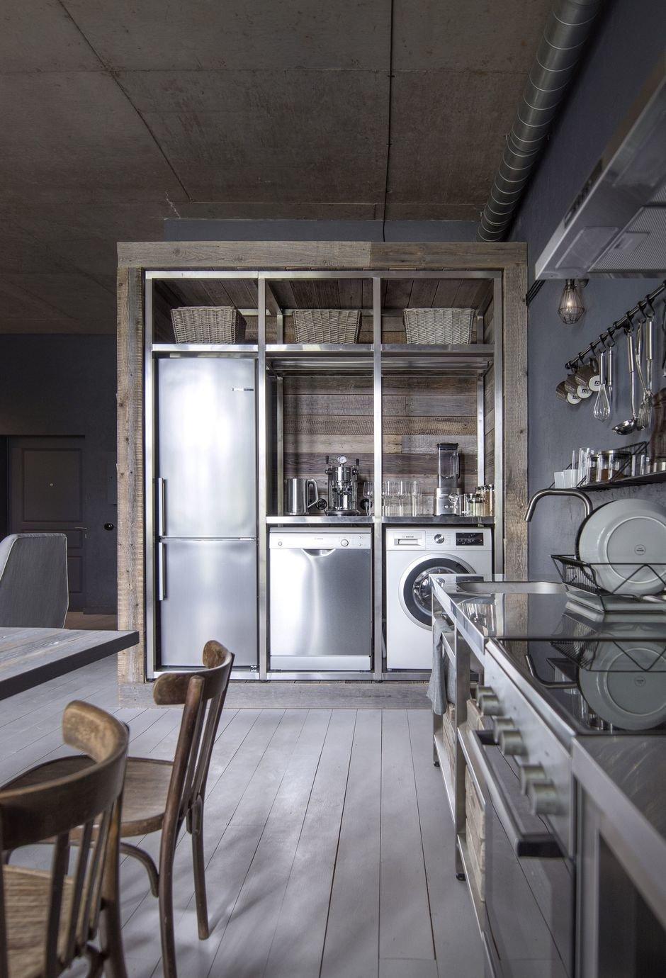 Фотография: Кухня и столовая в стиле Лофт, Квартира, Студия, Проект недели, Москва, Кирпичный дом, до 40 метров, INT2architecture – фото на InMyRoom.ru
