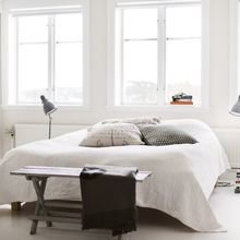 Фотография: Спальня в стиле Лофт, Скандинавский, Декор интерьера, Декор дома, Цвет в интерьере, Белый, Эко – фото на InMyRoom.ru