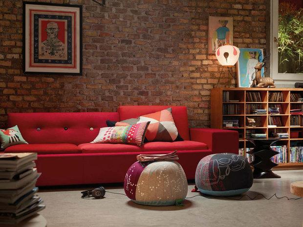 Фотография: Гостиная в стиле Лофт, Декор интерьера, Vitra, Мебель и свет, Диван – фото на InMyRoom.ru