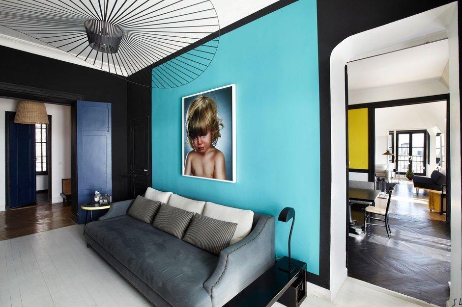 Фотография: Гостиная в стиле Современный, Декор интерьера, Квартира, Цвет в интерьере, Дома и квартиры, Черный, Париж – фото на InMyRoom.ru