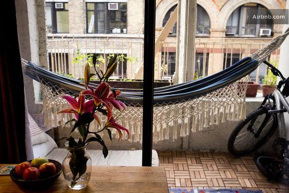 Фотография: Ванная в стиле Эко, Декор интерьера, Текстиль, Airbnb, Гамак – фото на InMyRoom.ru