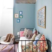 Фотография: Спальня в стиле Кантри, Эклектика, Декор интерьера, Дом, Антиквариат, Дома и квартиры, Стена, Мадрид – фото на InMyRoom.ru