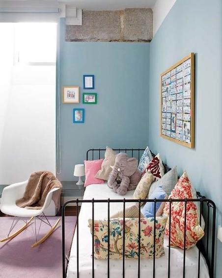 Фотография: Спальня в стиле Прованс и Кантри, Эклектика, Декор интерьера, Дом, Антиквариат, Дома и квартиры, Стена, Мадрид – фото на InMyRoom.ru