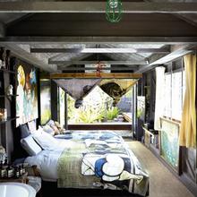 Фотография: Спальня в стиле Лофт, Дома и квартиры, Интерьеры звезд – фото на InMyRoom.ru