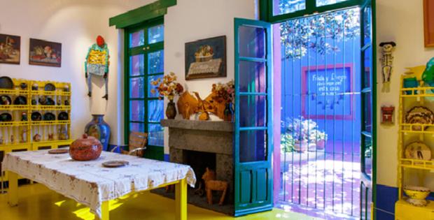 Фотография: Кухня и столовая в стиле Прованс и Кантри, Декор интерьера, Дом, Голубой, Мексика, Дом и дача, Мехико, Фрида Кало – фото на INMYROOM