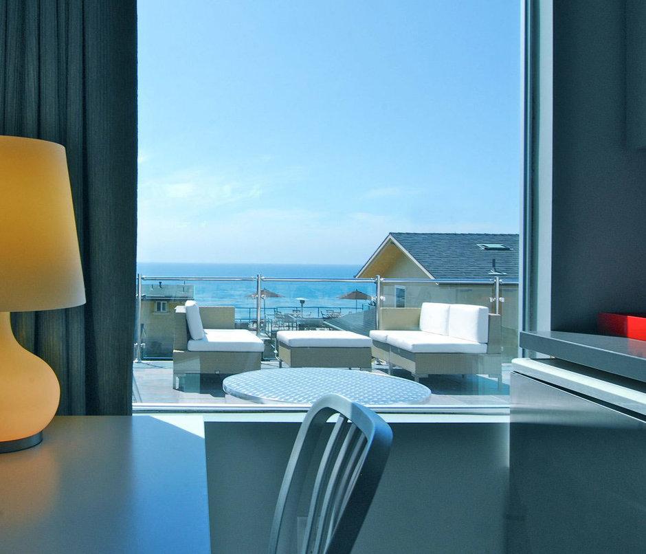 Фотография: Балкон, Терраса в стиле Современный, Дома и квартиры, Городские места, Отель – фото на InMyRoom.ru