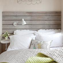 Фотография: Спальня в стиле Кантри, Современный, Декор интерьера, Малогабаритная квартира, Квартира, Цвет в интерьере, Дома и квартиры, Стены – фото на InMyRoom.ru