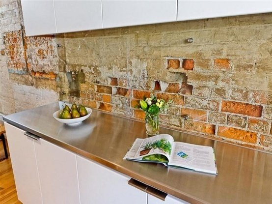 Фотография: Кухня и столовая в стиле Классический, Декор интерьера, Дом, Декор дома, Плитка, Мозаика, Кухонный фартук – фото на InMyRoom.ru