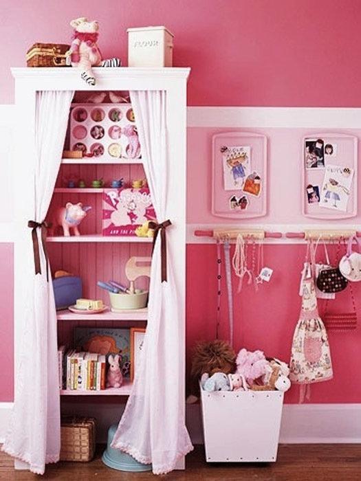 Фотография: Детская в стиле Современный, Декор интерьера, Дом, Декор дома, Системы хранения, Шторы – фото на InMyRoom.ru
