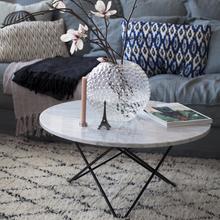 Фотография: Декор в стиле Скандинавский, Декор интерьера, Мебель и свет, Журнальный столик – фото на InMyRoom.ru