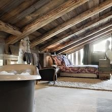 Фотография: Спальня в стиле , Дом, Праздник, Дома и квартиры, Новый Год, Шале, Фасад – фото на InMyRoom.ru