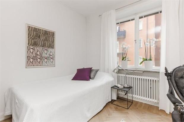 Фотография: Спальня в стиле Скандинавский, Малогабаритная квартира, Квартира, Швеция, Дома и квартиры, Стокгольм – фото на InMyRoom.ru