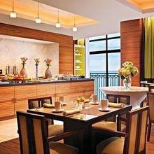 Фотография: Кухня и столовая в стиле Современный, Дома и квартиры, Городские места, Отель – фото на InMyRoom.ru