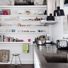 Фотография: Кухня и столовая в стиле Скандинавский, Квартира, Цвет в интерьере, Дома и квартиры, Париж, Бирюзовый – фото на InMyRoom.ru