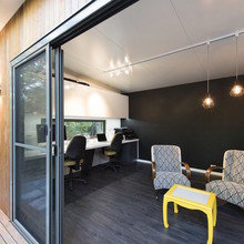 Фотография: Гостиная в стиле Минимализм, Австралия, Дом и дача, до 40 метров – фото на InMyRoom.ru