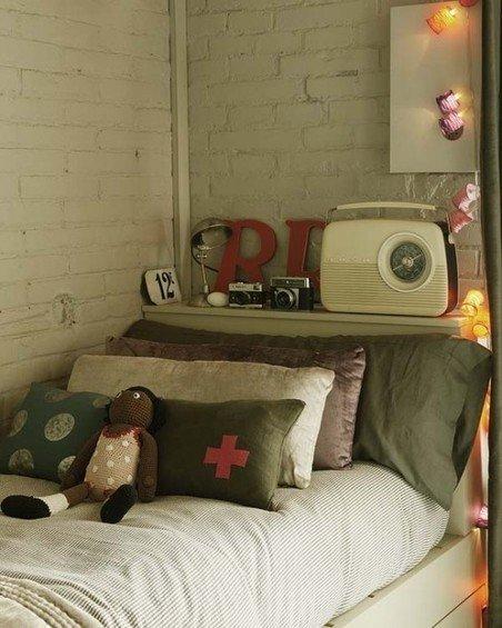 Фотография: Детская в стиле Лофт, Декор интерьера, Дизайн интерьера, Цвет в интерьере, Балки, Розовый, Фуксия – фото на INMYROOM