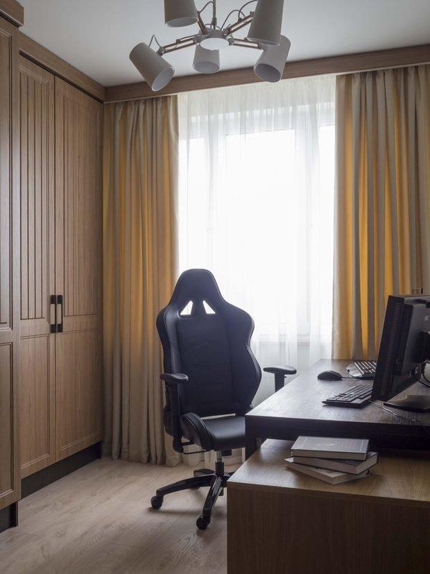 Фотография: Кабинет в стиле Современный, Скандинавский, Квартира, Белый, Проект недели, Желтый, Синий, Голубой, 4 и больше, Более 90 метров, ПРЕМИЯ INMYROOM, Bilbao Design – фото на INMYROOM