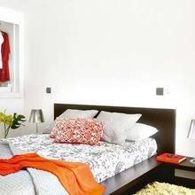 Фотография: Спальня в стиле Минимализм, Лофт, Квартира, Цвет в интерьере, Дома и квартиры, Белый, Лестница – фото на InMyRoom.ru