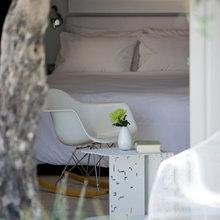 Фотография: Спальня в стиле Скандинавский, Дома и квартиры, Городские места, Отель, Греция – фото на InMyRoom.ru
