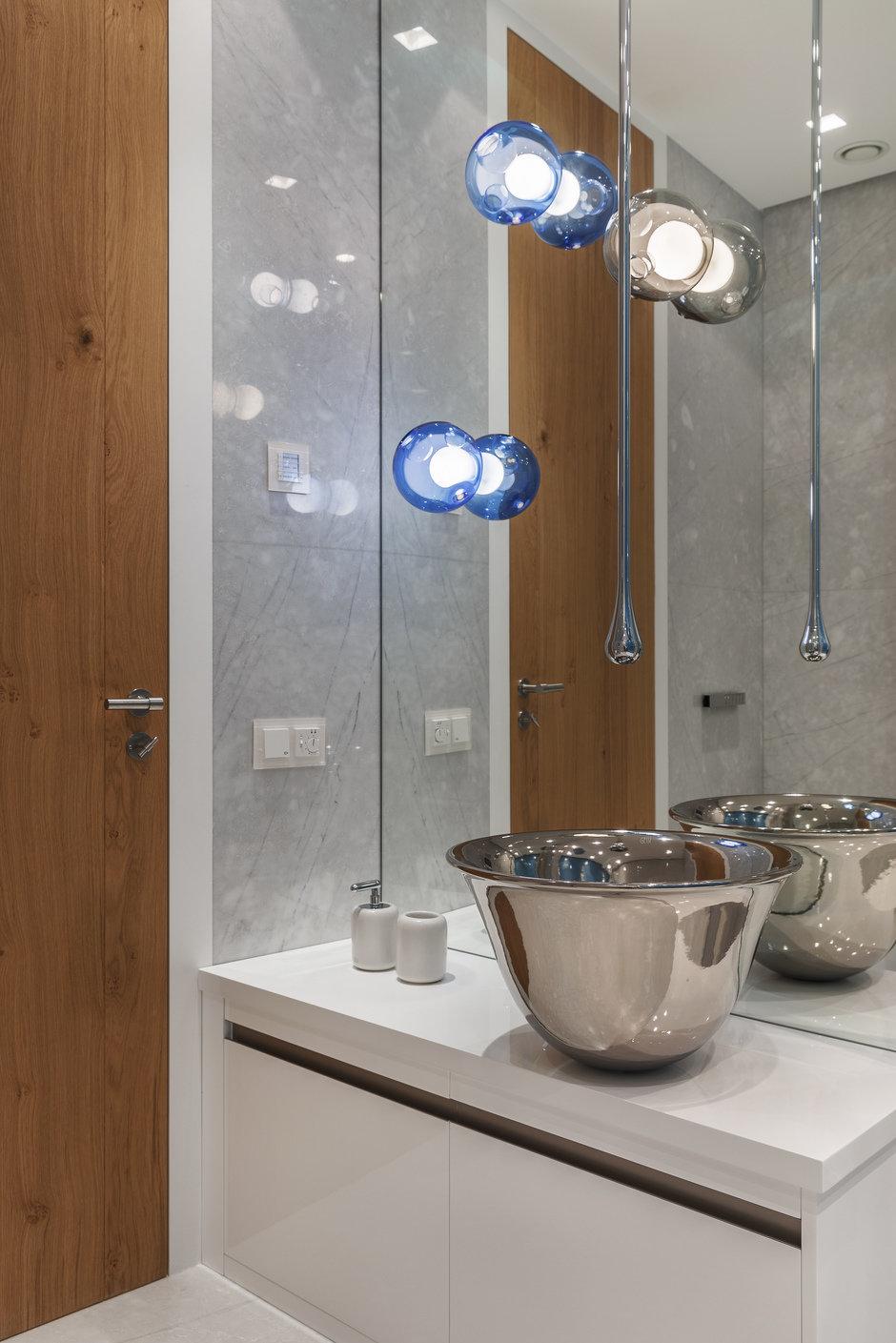 Фотография: Ванная в стиле Хай-тек, Проект недели, Москва, Более 90 метров, #эксклюзивныепроекты, ЖК «Легенда Цветного», Ab-architects – фото на InMyRoom.ru