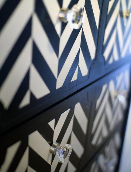 Фотография:  в стиле , Декор интерьера, DIY, Переделка, Комод – фото на InMyRoom.ru