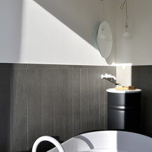 Фото из портфолио Дерево и железо в итальянской квартире – фотографии дизайна интерьеров на INMYROOM