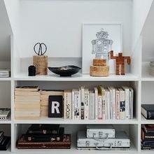 Фотография: Прочее в стиле Скандинавский, Декор интерьера, Декор, Домашняя библиотека, как разместить книги в интерьере, книги в интерьере – фото на InMyRoom.ru