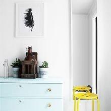 Фотография: Мебель и свет в стиле Скандинавский, Декор интерьера, Дизайн интерьера, Цвет в интерьере, Желтый – фото на InMyRoom.ru