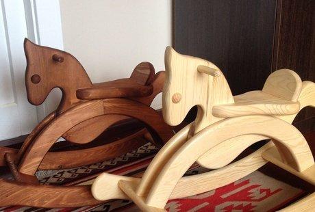 Деревянные изделия. Лошадки-качалки, кухонная утварь