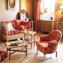 Фотография: Гостиная в стиле , Декор интерьера, Декор дома, Праздник, Камин, Биокамин – фото на InMyRoom.ru