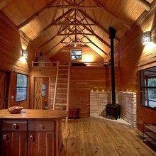 Фотография: Кухня и столовая в стиле Кантри, Декор интерьера, Дом, Декор дома, Камин – фото на InMyRoom.ru