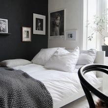 Фотография: Спальня в стиле Скандинавский, Декор интерьера, Аксессуары, Декор, Белый, Черный, Желтый, Серый, Бирюзовый – фото на InMyRoom.ru