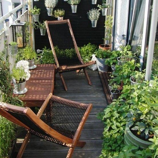 Фотография: Балкон в стиле Прованс и Кантри, Эко, Советы, Зеленый, Оксана Шабалина, овощи на балконе, сад пряных трав на балконе, вертикальное озеленение, что выращивать в тени, огород на балконе, мини-огород на балконе – фото на InMyRoom.ru