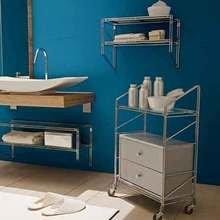 Фотография: Ванная в стиле Скандинавский, Интерьер комнат, Системы хранения, Полки – фото на InMyRoom.ru