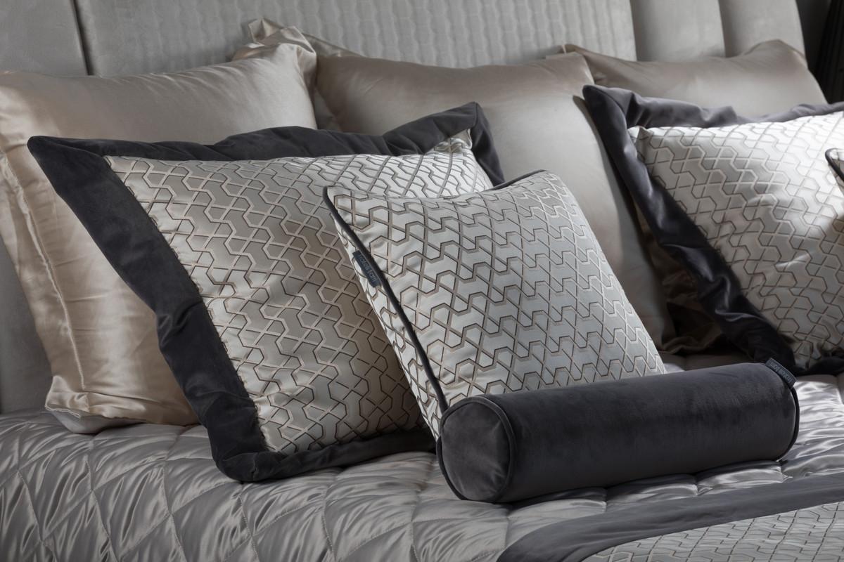 Комплект Elda с покрывалом с саше и подушками