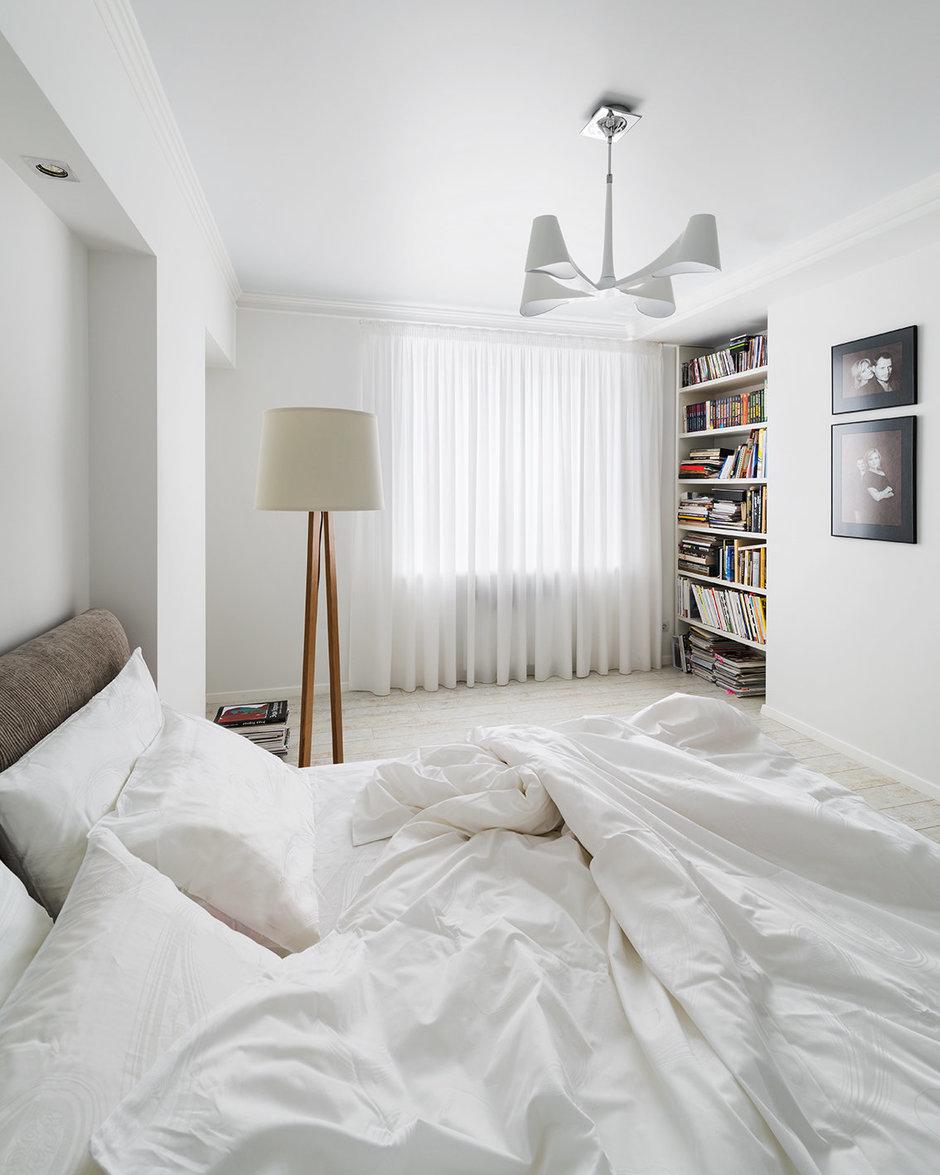 Фотография: Спальня в стиле Скандинавский, Современный, Квартира, Цвет в интерьере, Дома и квартиры, Белый, Проект недели – фото на InMyRoom.ru