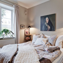 Фотография: Спальня в стиле Современный, Скандинавский, Малогабаритная квартира, Квартира, Цвет в интерьере, Дома и квартиры, Белый, Гетеборг – фото на InMyRoom.ru