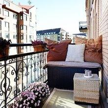 Фотография: Балкон в стиле Кантри, Квартира, Аксессуары, Мебель и свет, Терраса, Советы, Ремонт на практике, бюджетное обновление балкона, экономичный ремонт на балконе – фото на InMyRoom.ru