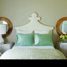Фотография: Спальня в стиле Кантри, Дом, Цвет в интерьере, Дома и квартиры, Оранжевый – фото на InMyRoom.ru