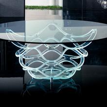Фото из портфолио Креативные столики из стекла – фотографии дизайна интерьеров на InMyRoom.ru