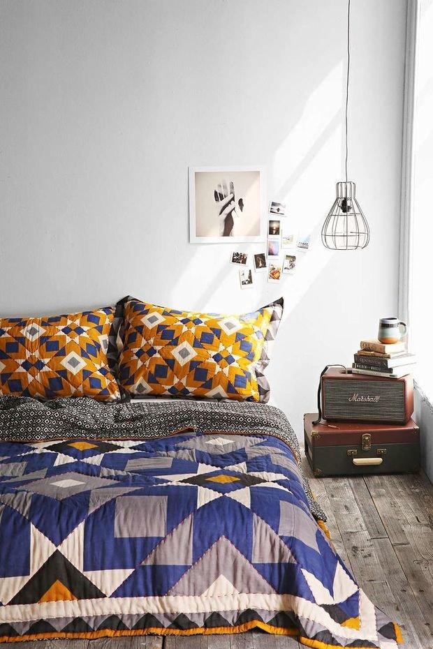 Фотография: Спальня в стиле Скандинавский, Декор интерьера, Текстиль, Декор, Декор дома, Пэчворк – фото на InMyRoom.ru