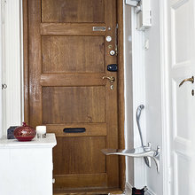 Фотография: Прихожая в стиле Скандинавский, Современный, Гардеробная, Малогабаритная квартира, Квартира, Швеция, Цвет в интерьере, Дома и квартиры, Белый – фото на InMyRoom.ru